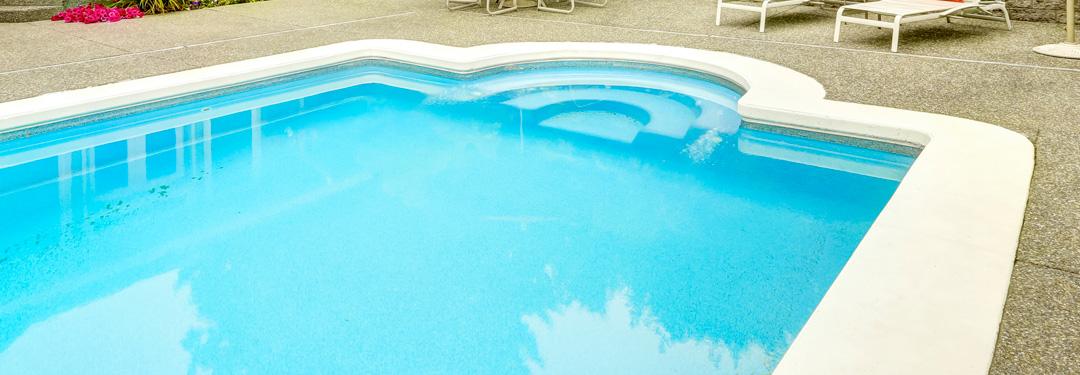 Tratamientos en poli ster poli ster y epoxi for Recubrimientos para piscinas